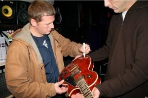 3FM_veiling_Racoon_gitaar