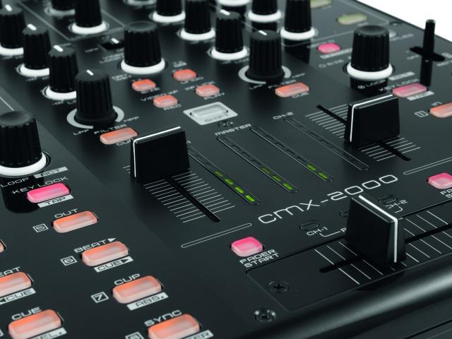 CMX-2000