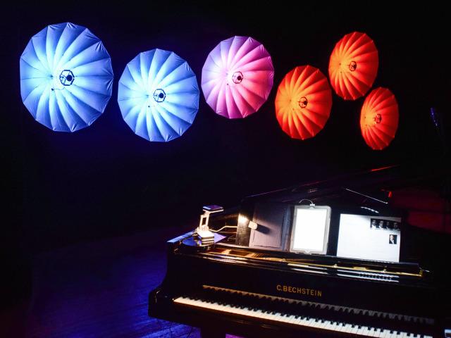 Der Lichtschirm: LED Umbrella 140 von Eurolite im Einsatz